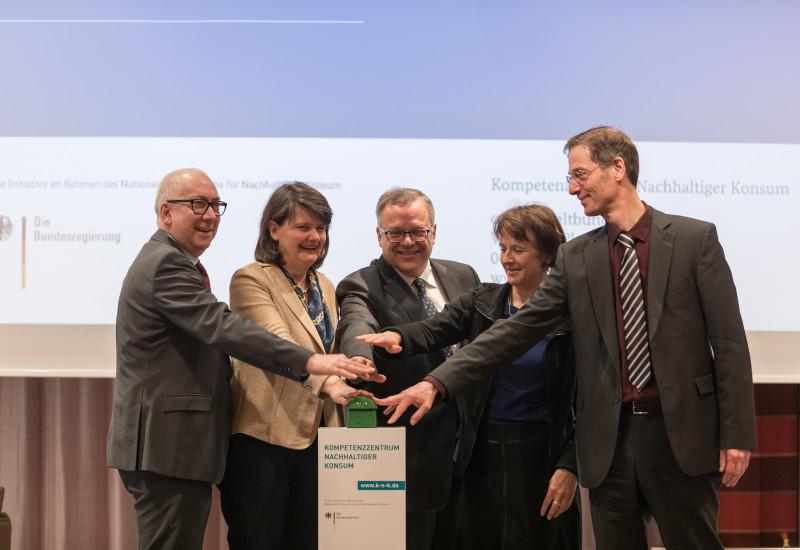 Billen (BMJV), Dr. Flachsbarth (BMEL), Dr. Eiden (BLE), Krautzberger (UBA), Horn (BMUB)