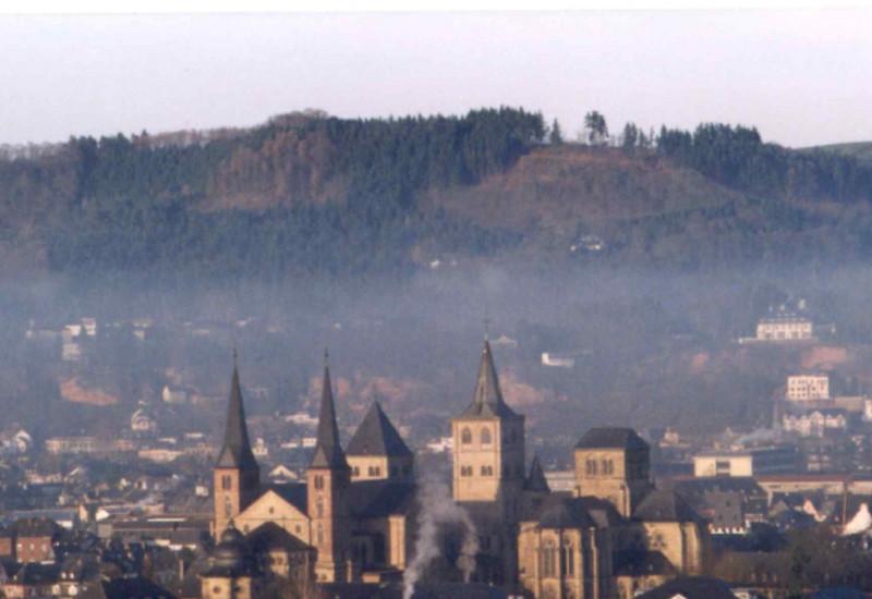 Dunstglocke im städtischen Raum - Trier