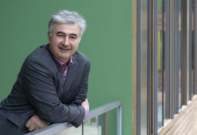 Dr Wolfgang Scheremet in the UBA office building in Dessau-Roßlau