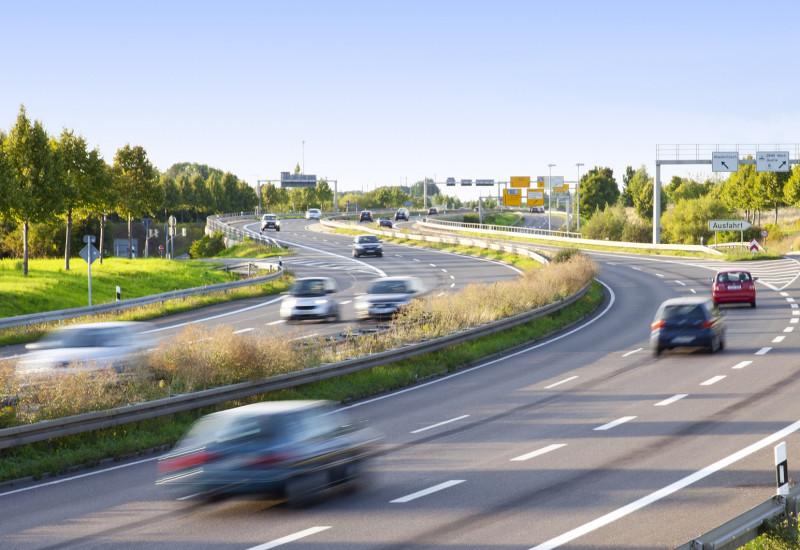 Pkw auf einer Autobahn