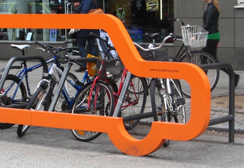 wo sonst nur ein Auto hinpasst, passen viele Fahrräder hin