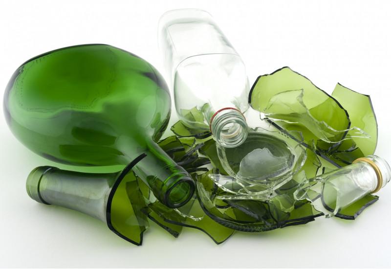 zerbrochene Glasflaschen