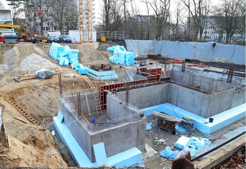 neu errichtete Kellerwände werden gedämmt