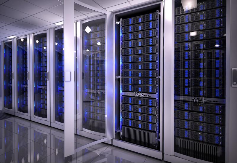 Serverschränke in einem Rechenzentrum