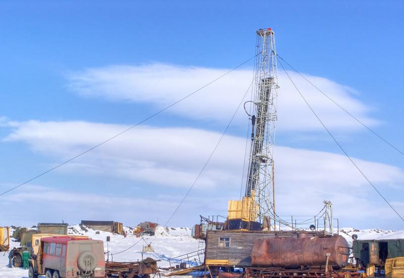 Probebohrungen nach fossilen Brennstoffen in der Arktis