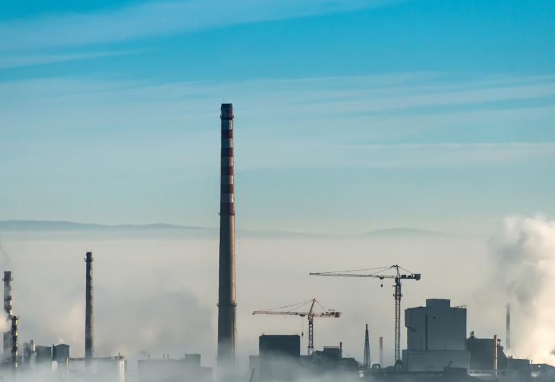 Grosse Industrieanlage eines Kraftwerks