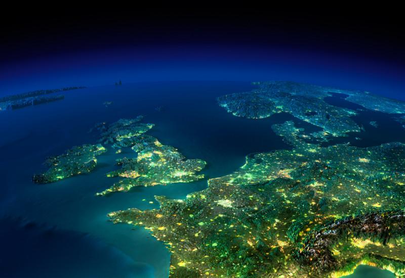 Europa bei Nacht vom Weltraum aus gesehen