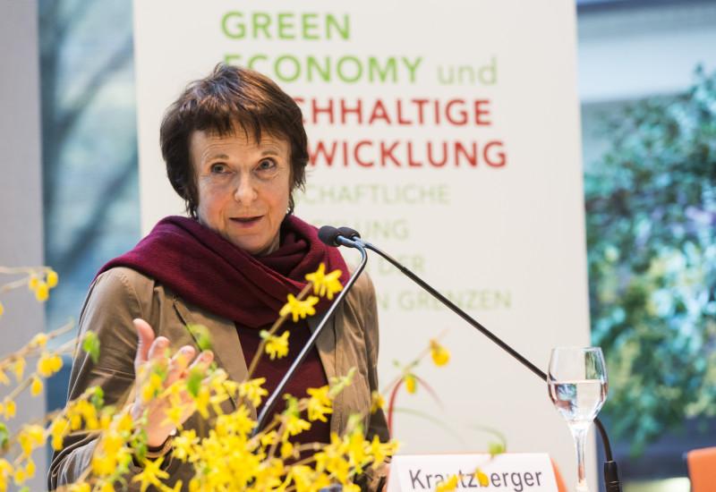 """Frau Maria Krautzberger, Präsidentin des Umweltbundesamtes, redet bei """"Green Economy"""""""
