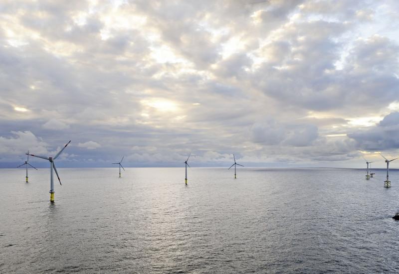 Windpark-Baustelle im Meer