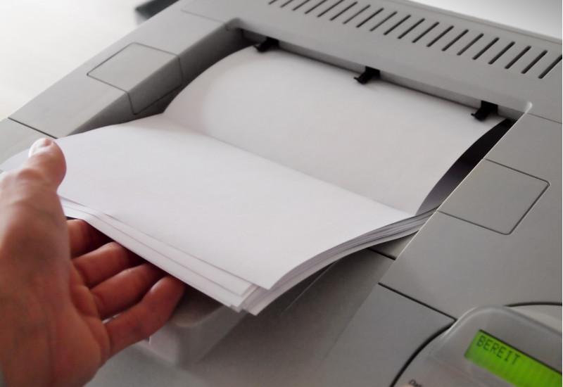 Laserdrucker bedruckt Papier