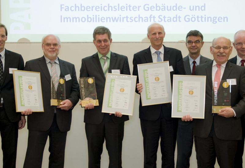 Preisübergabe an Mehrfachsieger beim Städtewettbewerb Papieratlas 2013