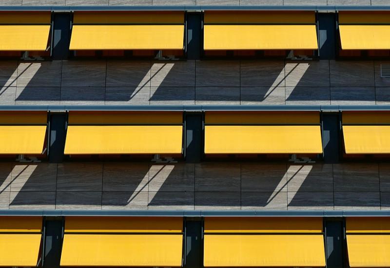 Die Gebäudekühlung kann ein effizienter und klimafreundlicher Schutz vor Hitzewellen sein.