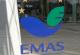 EMAS-Logo auf der Eingangstür des UBA-Dienstgebäudes in Dessau-Roßlau