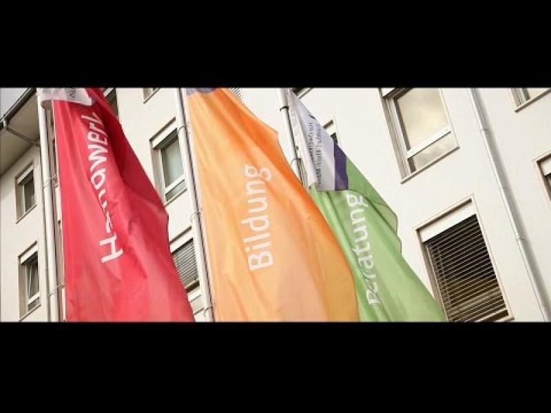 """Handwerkskammer Frankfurt-Rhein-Main erhält den """"Blauen KomPass"""""""